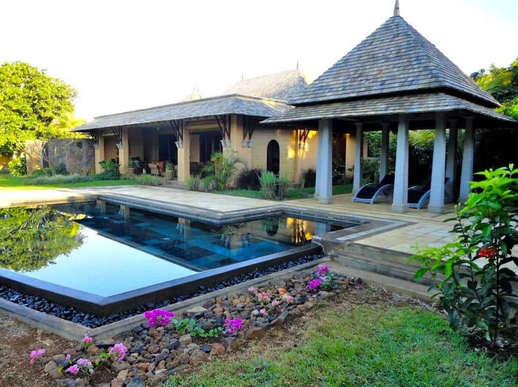 Vente luxueuse villa f5 de 545 m2 avec piscine tamarin for Acheter une maison a l ile maurice