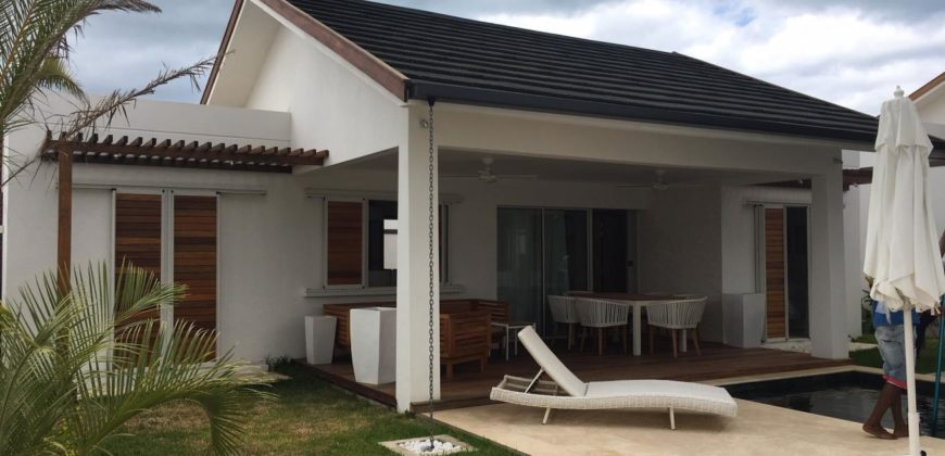 Confortable villa F3 avec piscine privée, Grand Baie