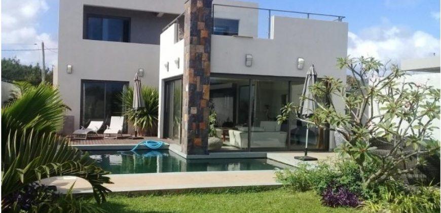 Grande villa F5 neuve, Bain Boeuf