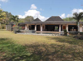 Somptueuse villa IRS de type F5 avec piscine, Rivière Noire