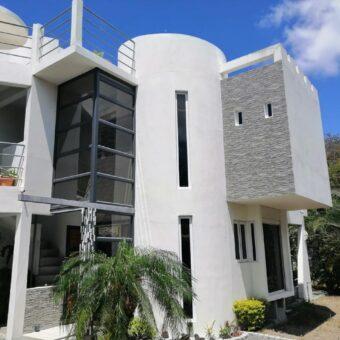 Villa atypique type F4, Vale