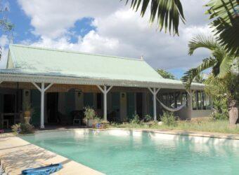 Charmante maison F4 de style créole avec piscine, Rivière Noire