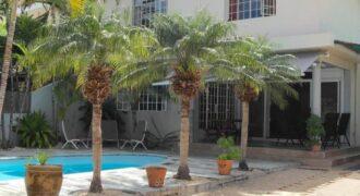 Agréable villa F4 avec piscine en bord de mer, Tamarin