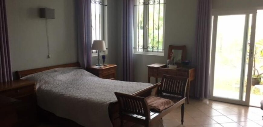 Grande maison de style colonial, Pointe aux Canonniers
