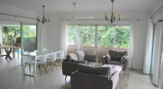 Agréable villa neuve avec piscine et vue imprenable,Tamarin